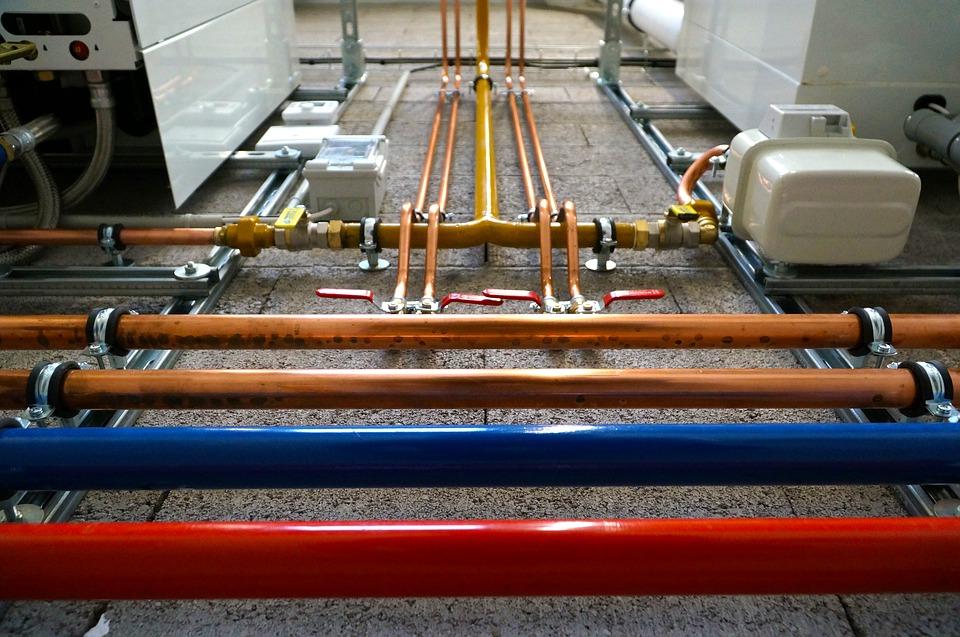 Raccordement des tuyaux chaudière électrique