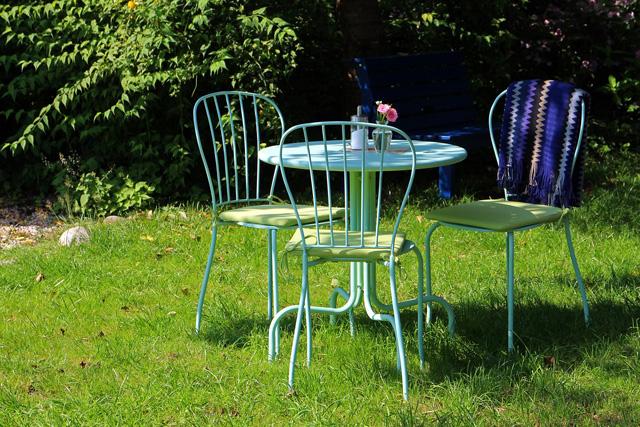 nettoyer chaise design de jardin rouille